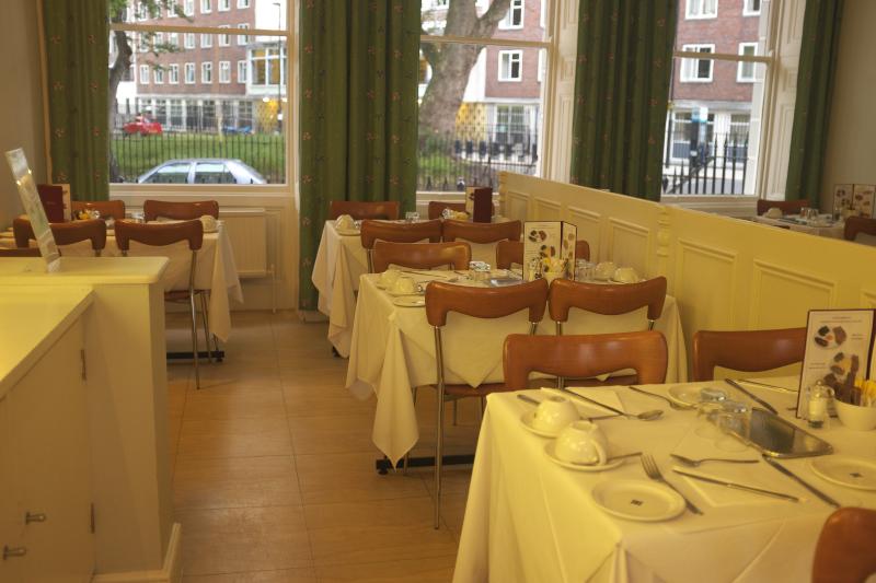 Harlingford Hotel Breakfast room
