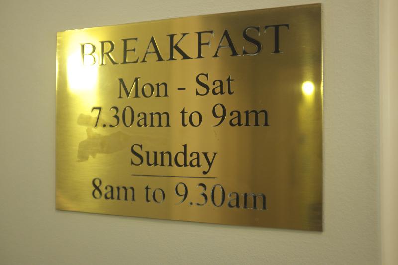 Harlingford Hotel Breakfast notice