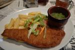 ロンドンのグルメ 大英博物館前のレストラン Munchikins Restaurant & Tea Roomでフィッシュ・アンド・チップス